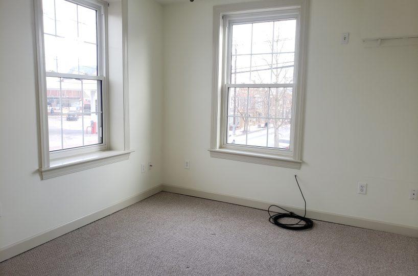 Apt. D - Bedroom - view 2