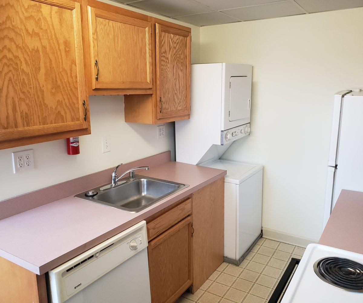 Apt. D - Kitchen - view 1